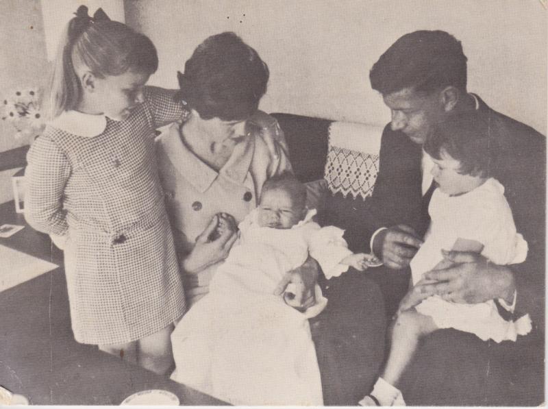 20 Kiri Morris family