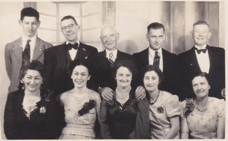 05 Kiri Old Family